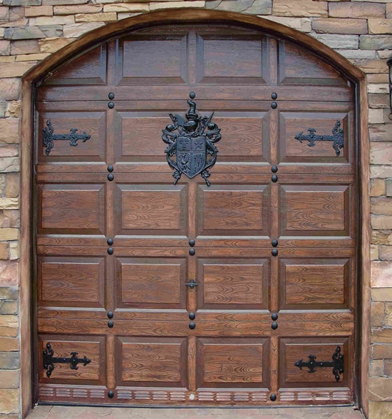35 front door designs that welcome your guests in grandeur for Outer doors for homes
