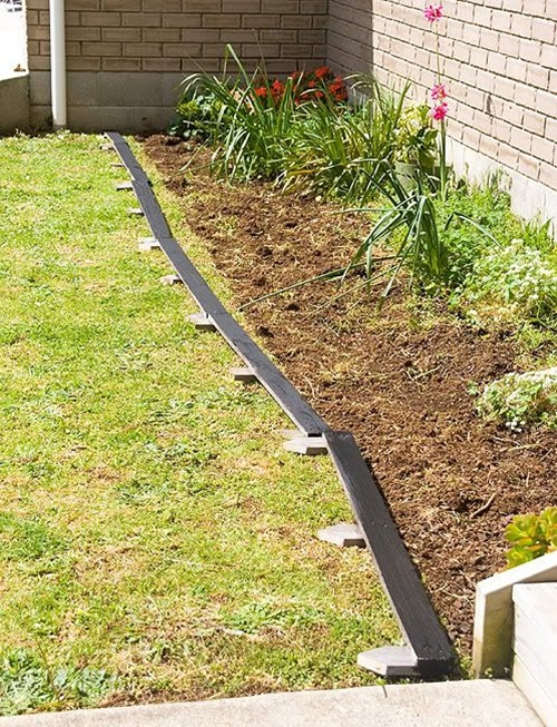 25 garden bed borders edging ideas for vegetable and for Cheap diy garden edging