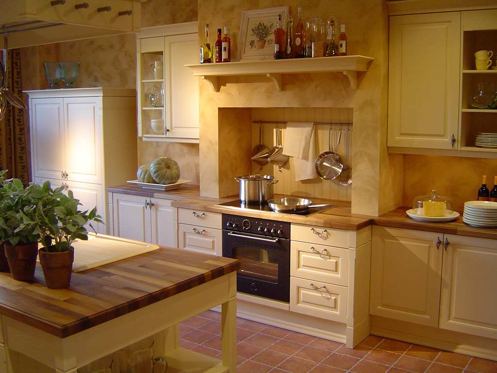 2 very different kitchen styles and how to achieve them for Farm style kitchen designs