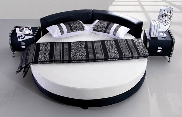 25 amazing round beds for your bedroom. Black Bedroom Furniture Sets. Home Design Ideas