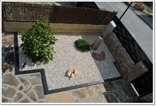contemporary-rock-garden